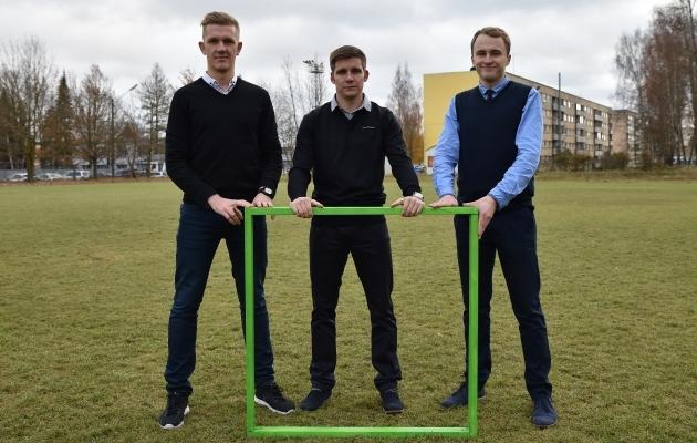 Sepa jalgpallikeskuse projekti estvedajad Kaarel Kiidron, Kristjan Tiirik ja Kalle Paas. Foto: Imre Pühvel