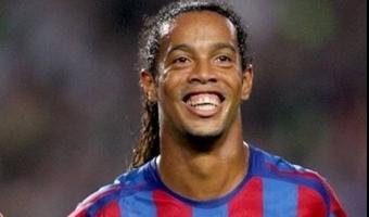 Video: Ronaldinho külastas Barcelona treeningut