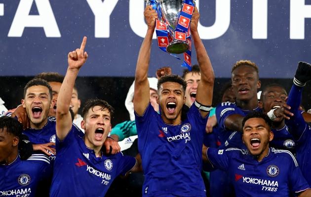 Chelsea noored on FA Youth Cupi võitnud viimasest kuuest hooajast viiel. Esindusmeeskonda on noori murdnud aga vähesed. Foto: thefa.com